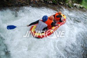 keseruan Mini Rafting Ciater