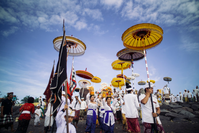 Ilustrasi Masyarakat Bali